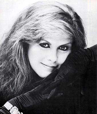 Interviews 1985 - On the Beach - Kirsty MacColl